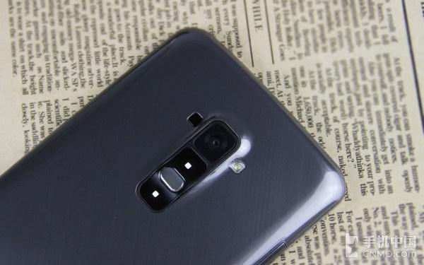 便捷的背部按键设计_LG G Flex第1张图