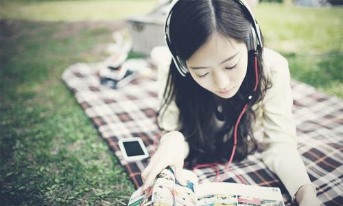 一个人的音乐享受 唯美小清新甜美耳机秀