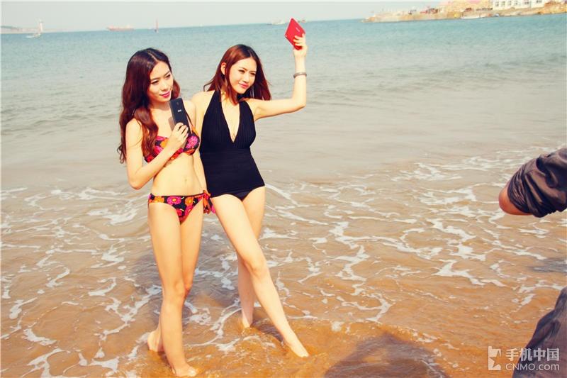 沙滩热辣比基尼美女 华硕平板夏日热浪