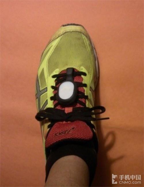 Stryd计步器 挂在鞋上的智能可穿戴设备