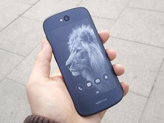 价格超iPhone 双面屏幕YotaPhone2评测