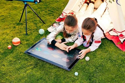 联想发布27寸超巨屏平板Yoga Home 900
