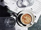 咖啡在手机镜头中的多种姿态