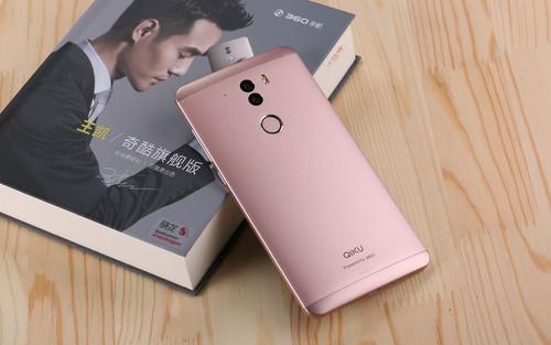 360手机玫瑰金限量版还采用视觉无边框设计