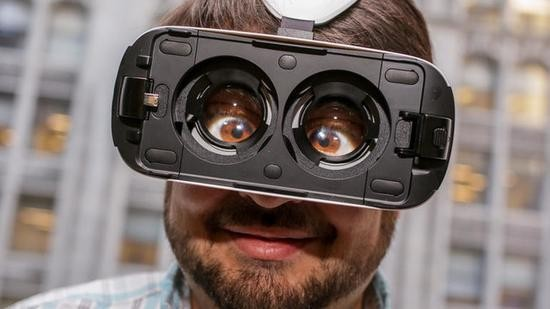 三星Gear VR上手 跟空气啪啪啪真爽!