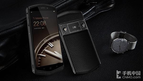 8848钛金手机销量公布 一年卖了10万部第2张图