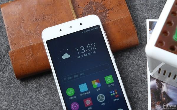 安卓小苹果 颜值佳作360手机f4现货599第1张图