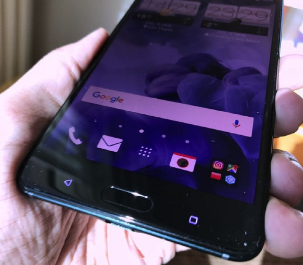 HTC明天连发三款新机 先来看看真机图