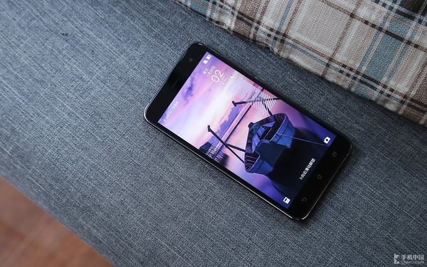 华硕ZenFone3灵智