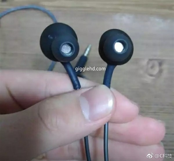 三星S8标配AKG耳机:肥水不流外人田
