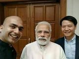 雷军与印度总理自拍 用的竟是这款手机!