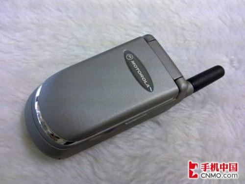 经典时尚翻盖手机 摩托罗拉v8088仅349元