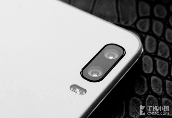黑白+彩色镜头双摄方案