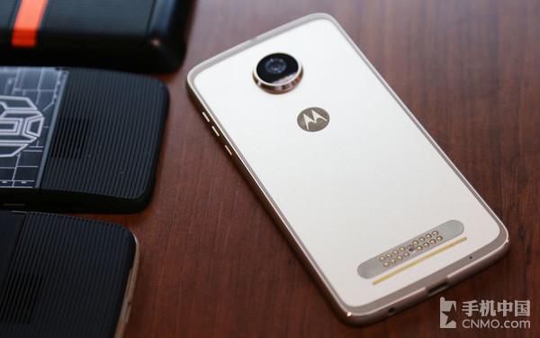 Moto Z2 Play背面