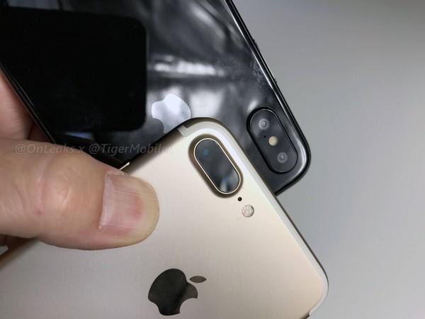iPhone 8/iPhone 7 Plus对比 持握感舒适