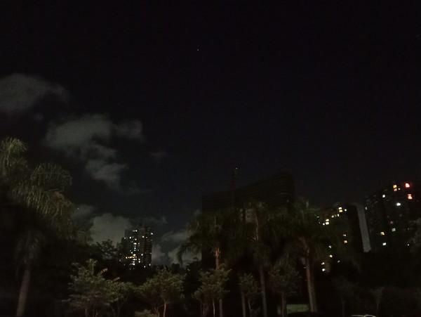 魅族PRO 7 Plus夜景样张