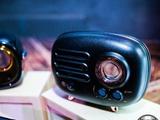 猫王RADIOOO发布 收音机也能如此性感