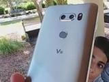 LG V30近照曝光 双摄隆起/有点不忍直视