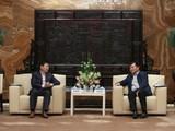 华为余承东到访苏宁 签订300亿元大单