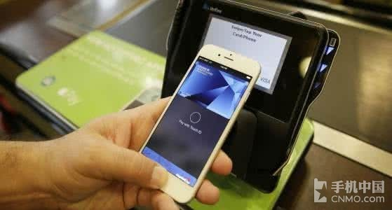 iPhone终于能刷公交卡了?这消息够给力