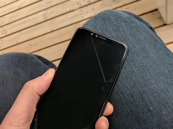 iPhone 8真机上手图