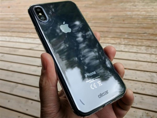 iPhone 8海量高清真机上手图 双面玻璃?