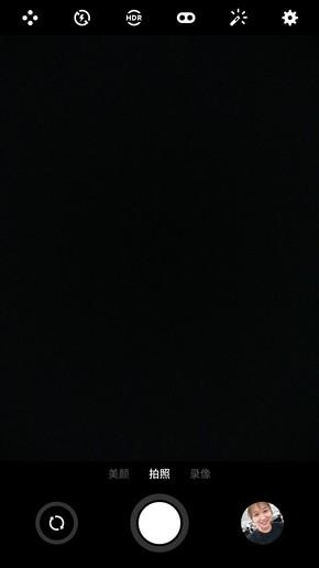 拍照界面对比,左为魅蓝Note6