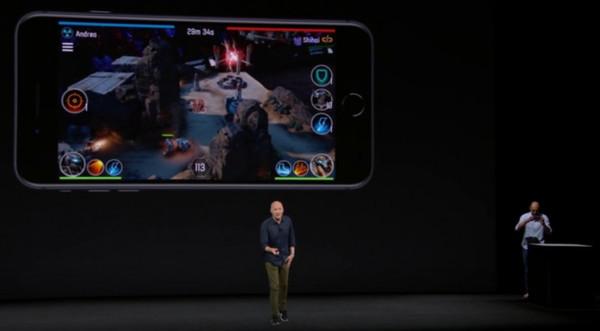 iPhone X发布会上AR游戏演示