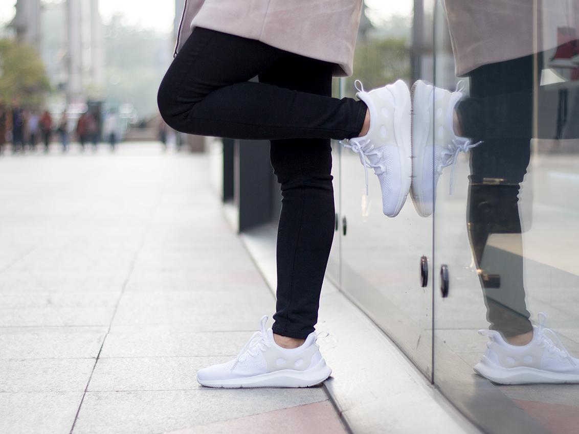 健身社交一步到位 咕咚智能健步鞋评测