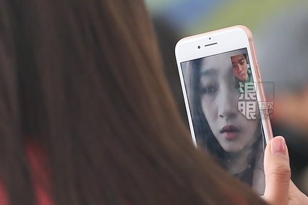 关晓彤鹿晗跨国视频 明星私下都用啥电话