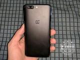 指纹识别弧面玻璃 一加手机5商家报价2999元