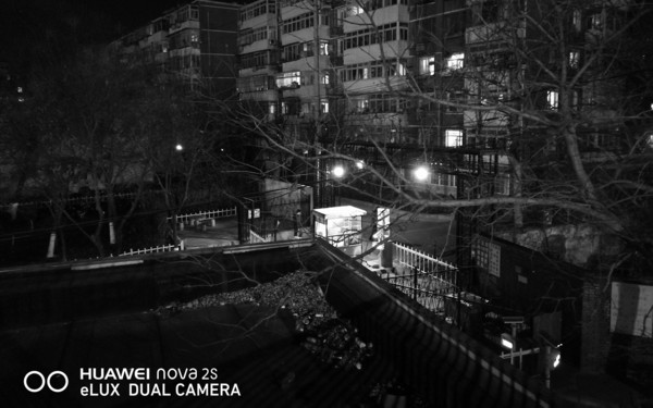 HUAWEI nova 2s中以专业黑白拍照模式