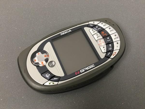 曾经的游戏手机 N-Gage QD