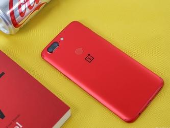 新年就要红红火火 选这些红色手机准没错
