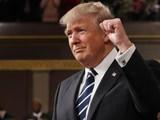 特朗普评论2017十大假新闻奖 幽默自嘲