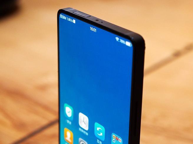 vivo APEX真机上手 吊打了S9和iPhone X
