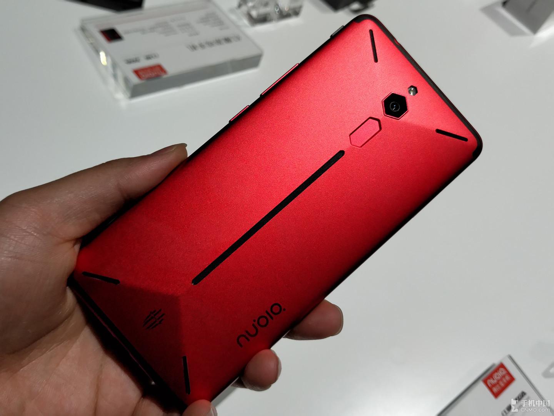 努比亚红魔电竞游戏手机图赏 激情四射!