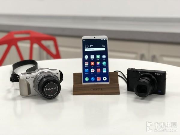 松下GF5(左)MEIZU 15(中)索尼RX100M5(右)