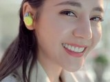 迪丽热巴戴索尼首款运动降噪耳机拍新片