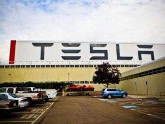特斯拉在上海建美国之外的首个超级工厂