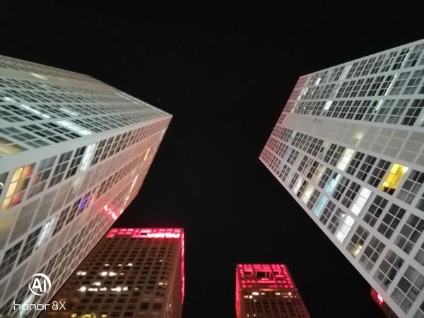 荣耀8X夜景样张(普通模式)
