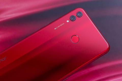 最热烈的红色魅惑 荣耀8X 魅焰红 图赏
