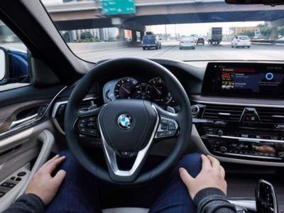 自動駕駛汽車應優先考慮年輕人的生命