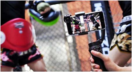 配加手机镜头,拍摄拳击视频