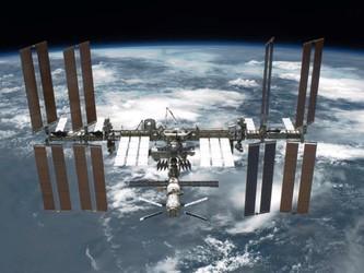 垃圾纵横 联邦通信委员会试图清理太空