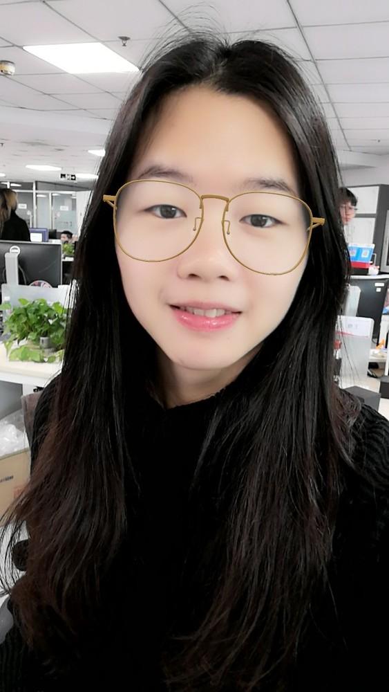 荣耀10青春版趣AR自拍样张(为自己添加一副大眼镜)