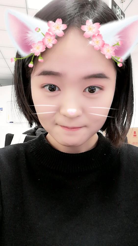 荣耀10青春版趣AR自拍样张