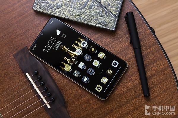【千亿国际手机网】-千元机怎样选?海信手机金刚4来领会一下