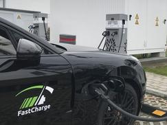 保时捷展示超快速充电 最大功率450kW
