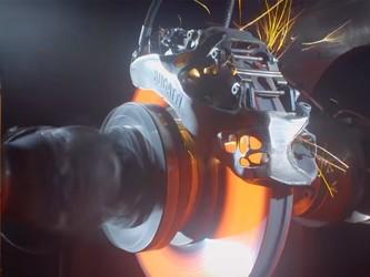 快看!这是布加迪的首款3D打印制动钳